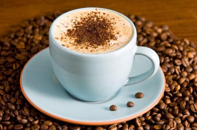 Czy można pić kawę podczas karmienia piersią?