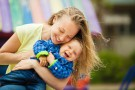 Dlaczego warto przytulać dzieci?
