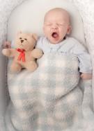 Eksperci ostrzegają - przegrzewanie dziecka może doprowadzić do śmierci łóżeczkowej