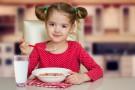 Co jedzą na śniadanie dzieci z całego świata?